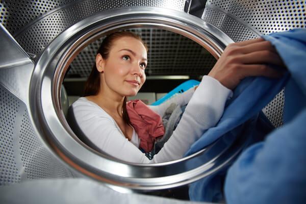 cómo divertirse lavando la ropa todas las semanas