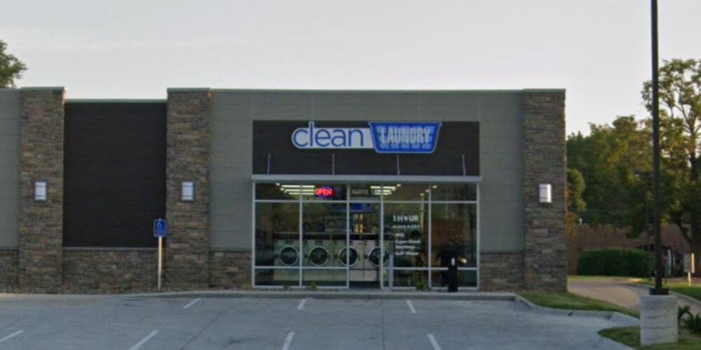 Laundromat At 2515 E Euclid Ave Suite 101 Des Moines Ia Clean